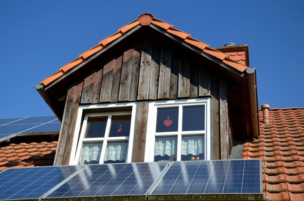photovoltaic-533688_1920